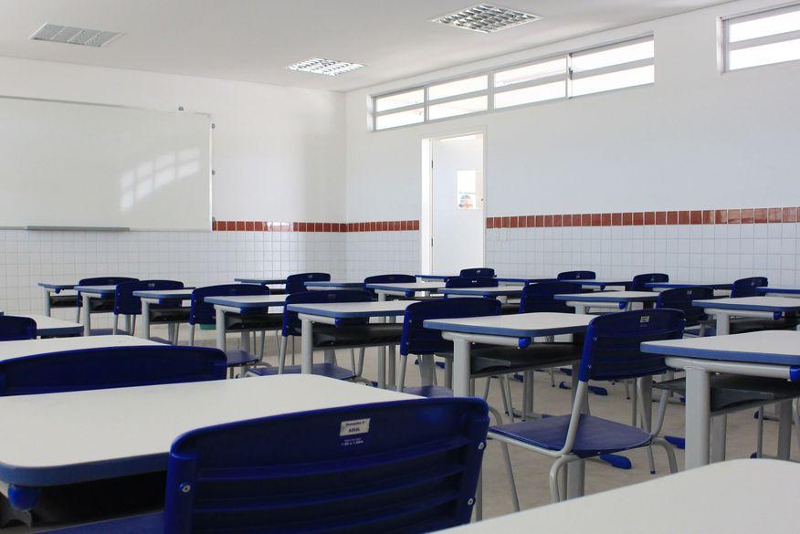 Secretário de Saúde da Paraíba diz que escolas estaduais podem começar a ter aulas híbridas em setembro