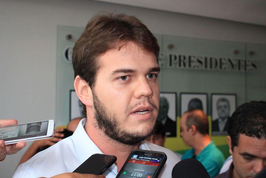 Novo decreto em Campina Grande deve liberar mais de 20% do público nos estádios de futebol, diz prefeito