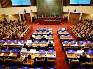 Senado aprueba postergación de elección de constituyentes en Chile