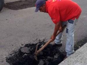 Más de 200 toneladas de asfalto han sido aplicados en La Vega