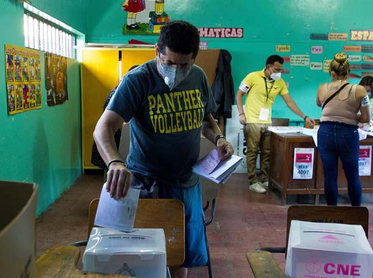 Honduras realiza elecciones primarias para definir candidatos