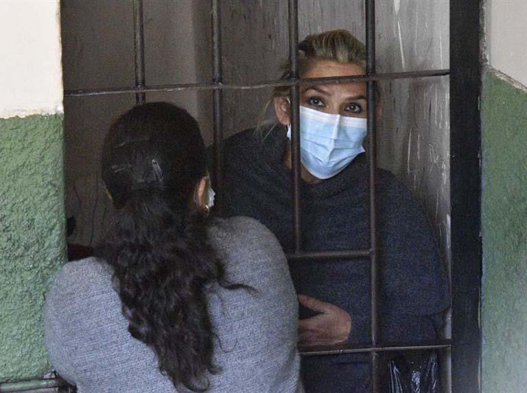Fiscalía de Bolivia pide detención preventiva contra Jeanine Áñez
