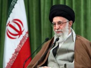 Ali Jamenei: Irán no cumplirá compromisos nucleares bajo sanciones