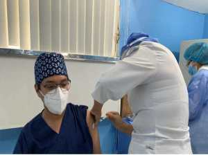 Immunization of personnel on duty at the central hospital of Lara began