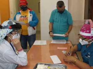 Aplican segunda dosis de Sputnik V a médicos en Trujillo y Barinas