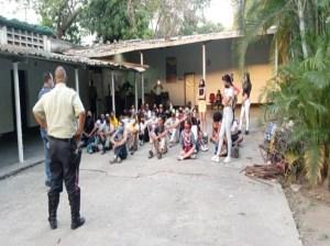 Más de 400 personas barrieron calles por no usar tapabocas en Guarenas