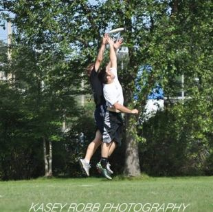 Ultimate Frisbee jumping