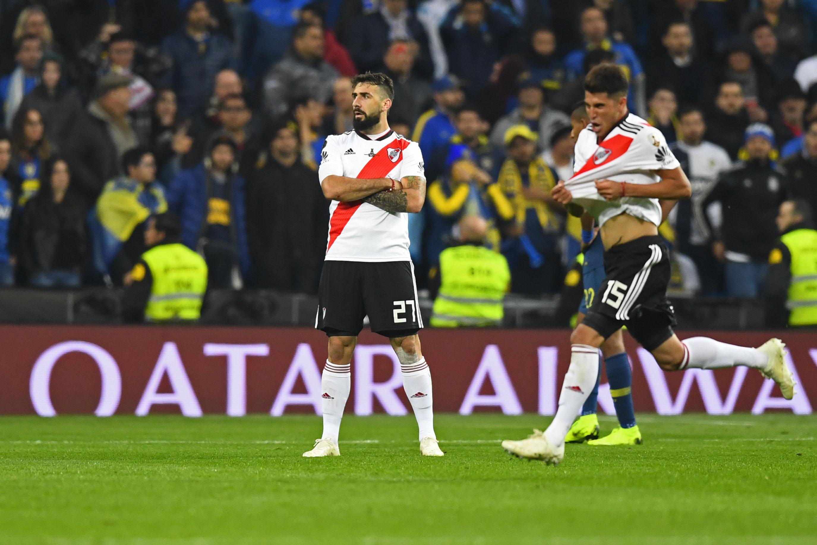 Lucas Pratto esulta al gol del momentaneo 1-1 del River Plate nella finale di Copa Libertadores giocata al Santiago Bernabeu di Madrid. Foto: Gabriel Bouys / Getty Images.