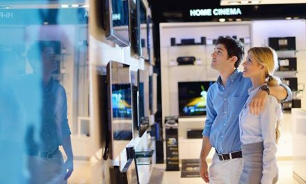 Größere TVs, Bluetooth-Boxen und teure Smartphones kurbeln Umsatz an