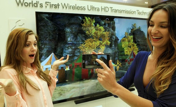 Vom Smartphone auf den Fernseher – LG demonstriert kabelloses Ultra-HD-Streaming [Video]
