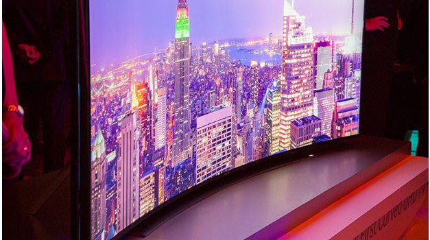 U9B Bendable UHD TV: Samsungs bringt biegbare Kurven in die USA