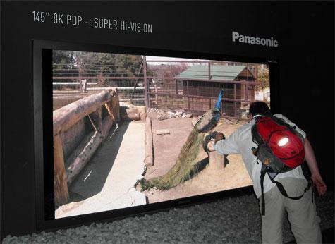 Panasonic stellt 8K UHDTV Plasma und 20 Zoll 4K LCD-Fernseher vor