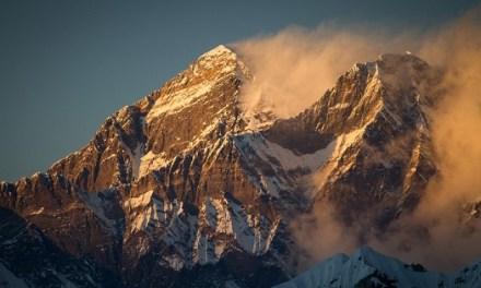Erste 4K-Bilder des Mount Everest mit Panasonic gefilmt