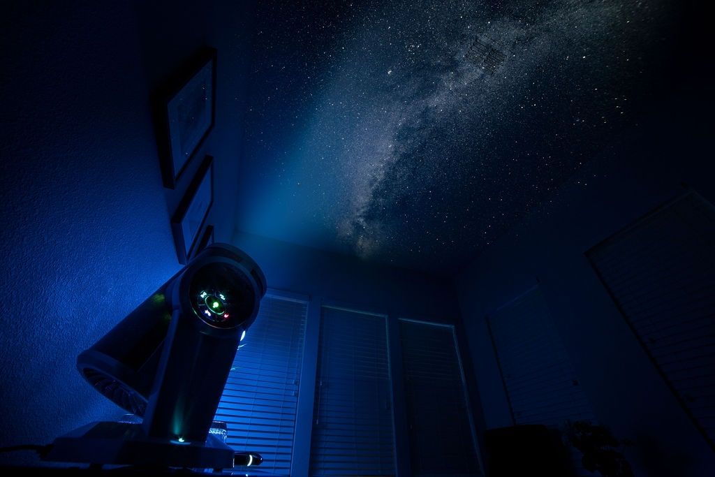 Home Planetarium - Cool things to do with a Projector - ULTRAdvice