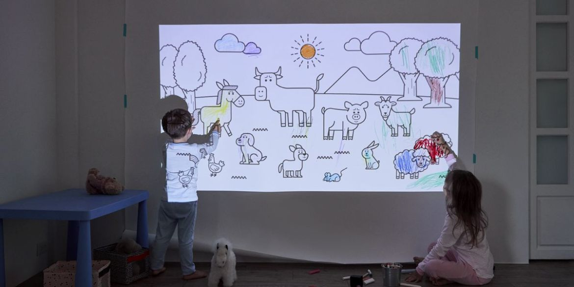Kids Drawing and Painting Murals using a Projector