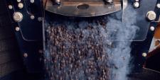 Mestre faz gestão da curva de torra de café
