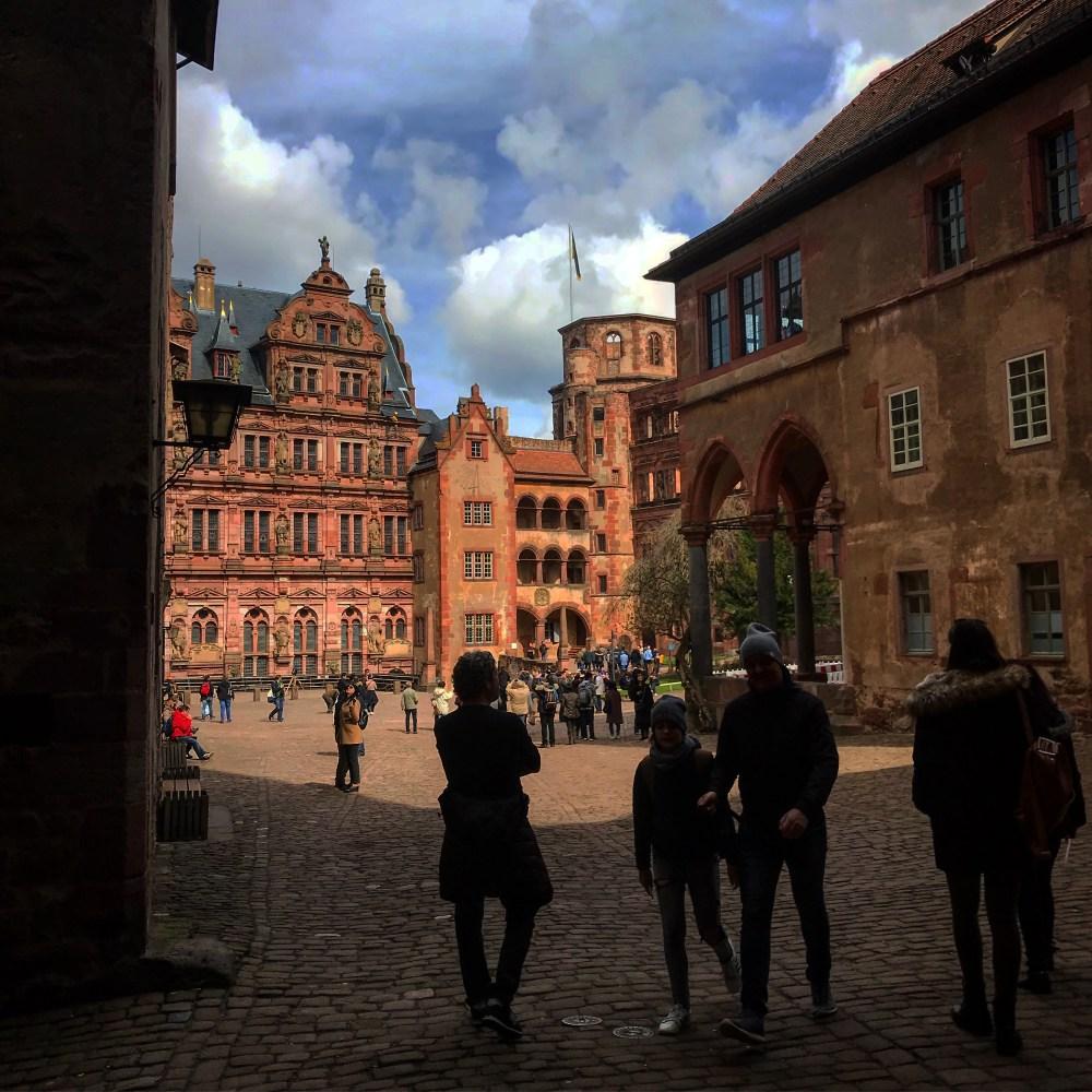 Dentro do complexo do Castelo de Heidelberg, grande símbolo do romantismo alemão