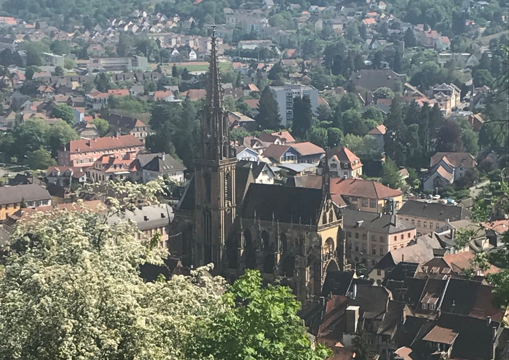 Vista da cidade da montanha do Olho da Bruxa