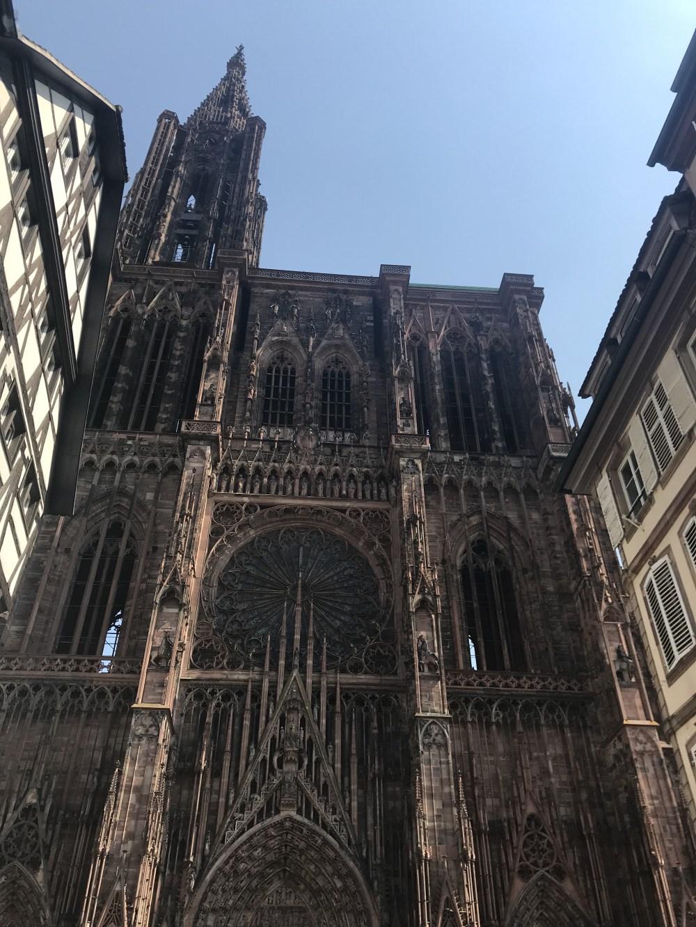 A enorme Notre-Dame de Strasbourg nem cabe nas fotos