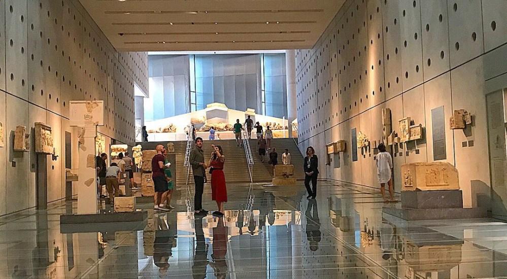 O excelente Museu Acrópolis, em Atenas