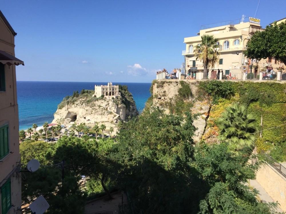 As belas visões do Santuário de Tropea, Calábria, quase uma miragem
