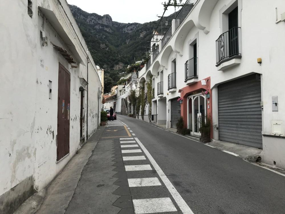As vias estreitas da Costa Amalfitana