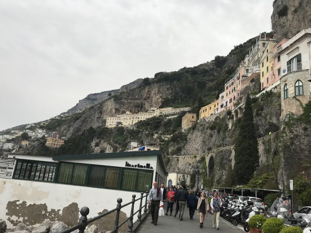 O acesso de balda em Amalfi: já se chega pertinho do centro