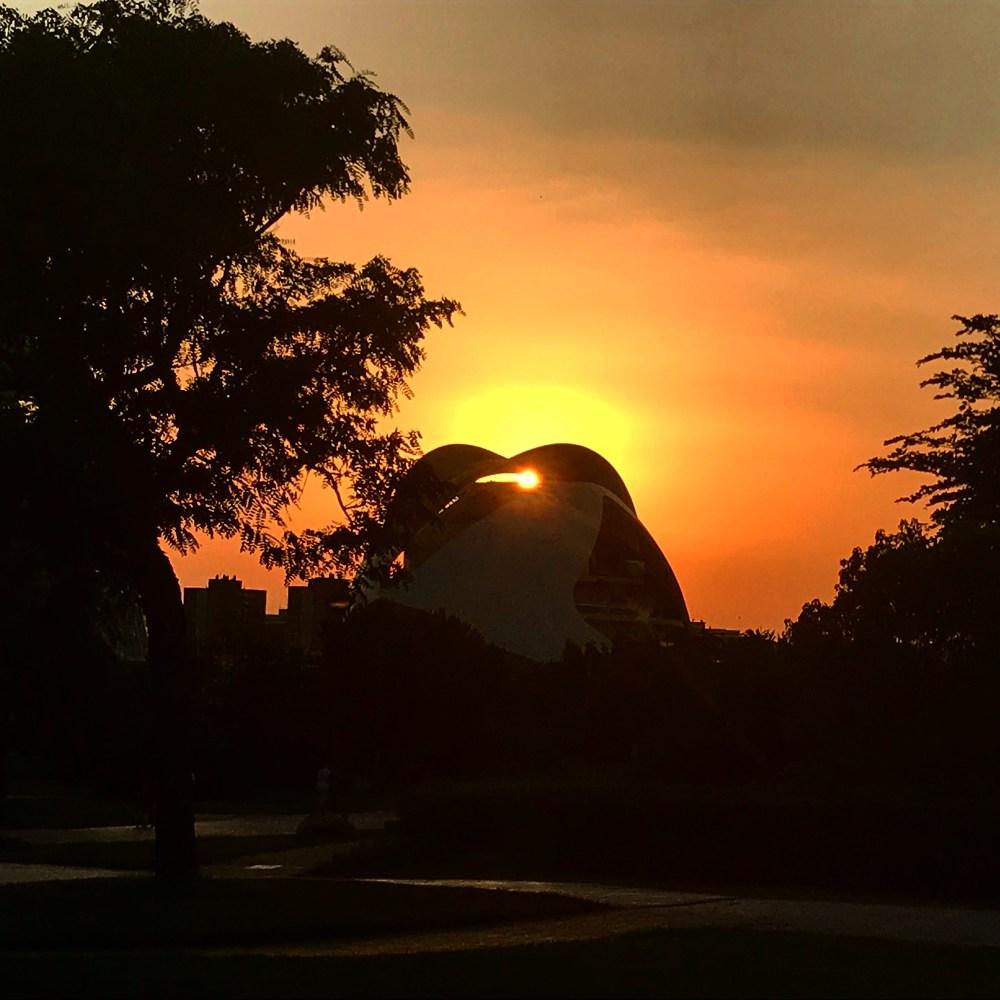 O pôr do sol tem seus encantos em vários pedaços de Valencia