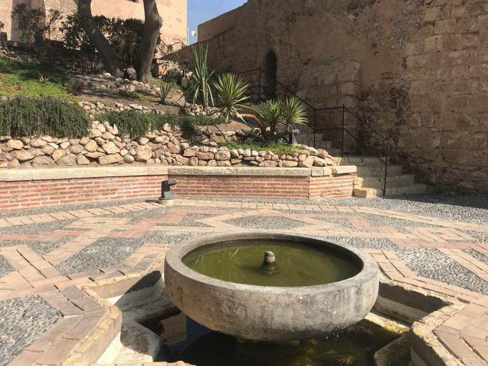 A fonte é um dos detalhes criados na reconstrução da Alcazaba