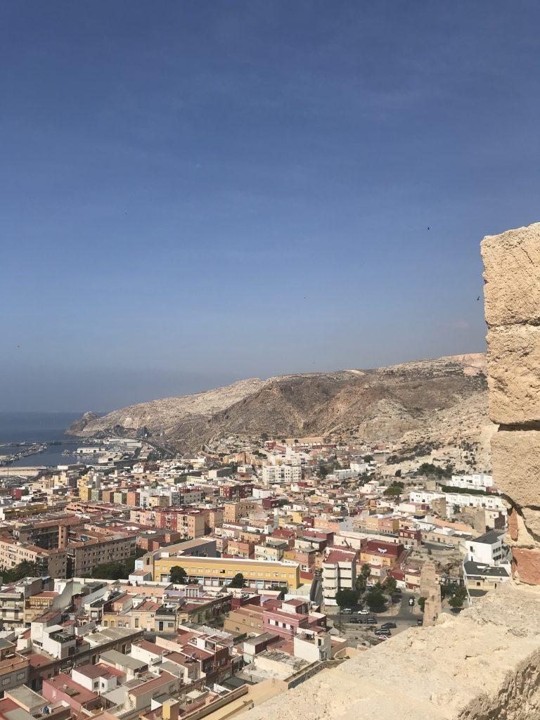 De cima da Alcazaba temos uma bela visão do centro e da região portuária