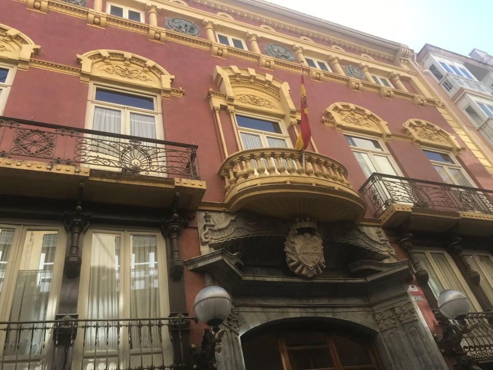 Fachadas belas de Cartagena da Espanha