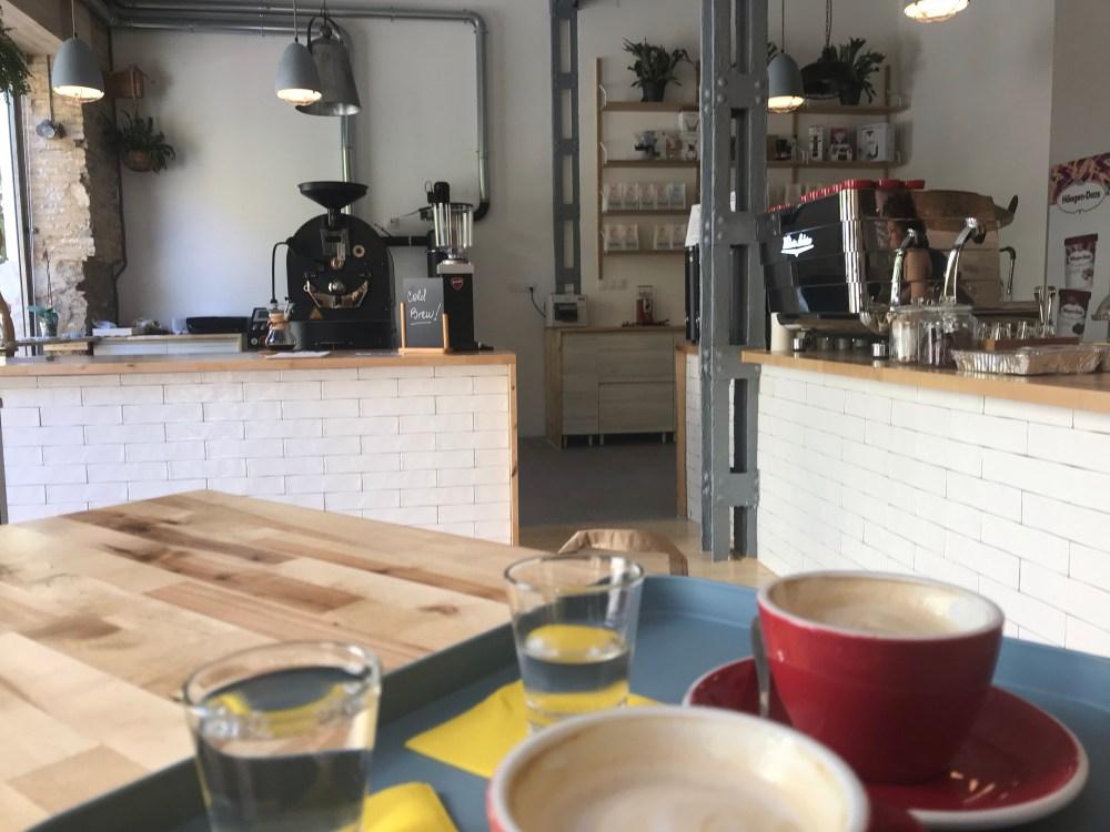 O ambiente da Ikore Kofi Coffee, em Ruzafa