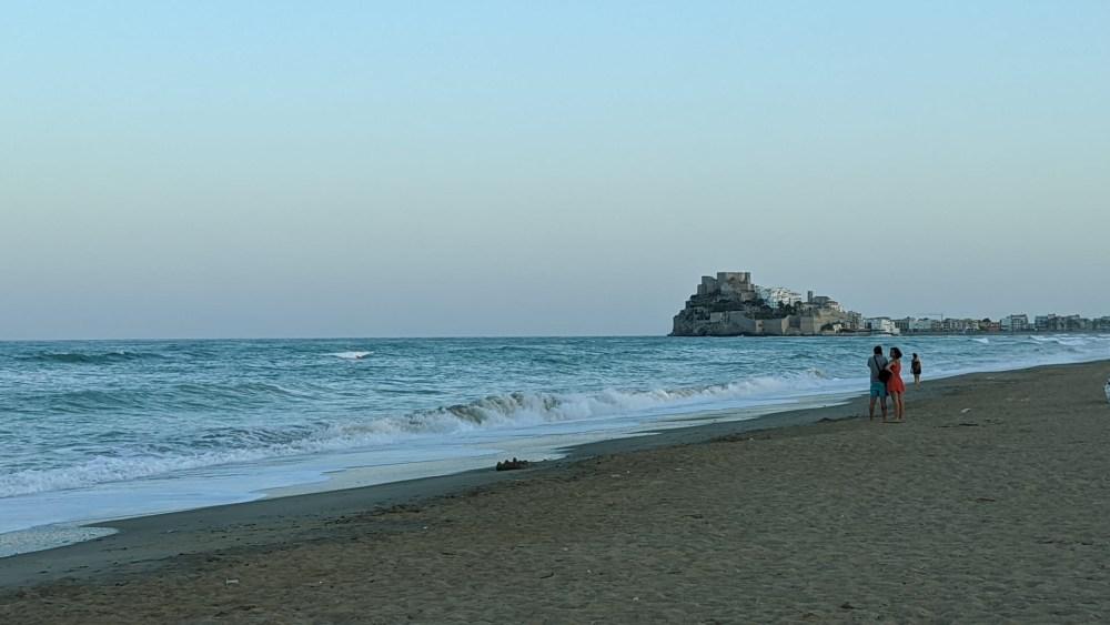 Peníscola significa ir à uma praia com vista para um castillo que nos transporta no tempo
