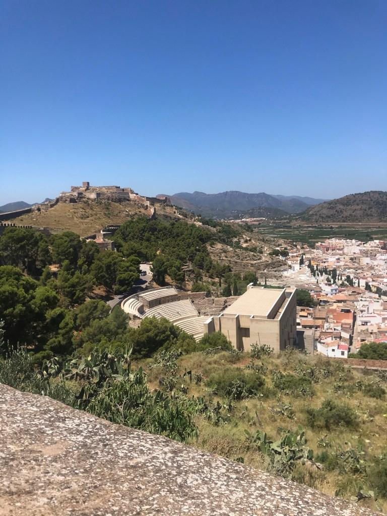 As ruínas do castelo de Sagunto e o teatro romano