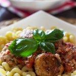 Klopsiki z ricottą w pomidorach (z makaronem)