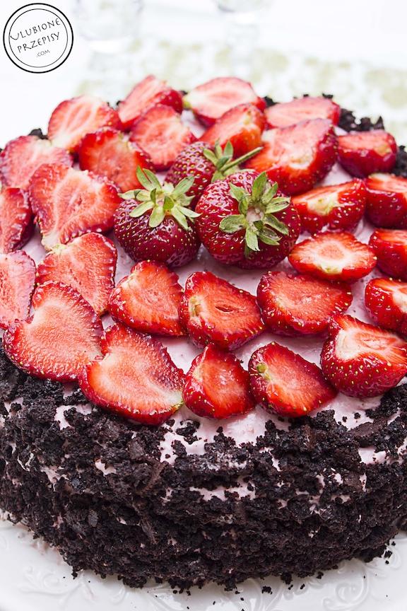 Tort czekoladowym z frużeliną