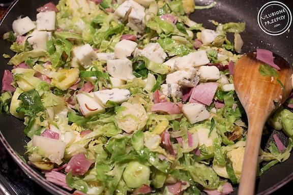 Brukselka z serem Gorgonzola i makaronem