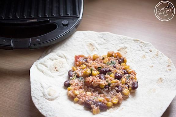 Tortille z ryżem i warzywami