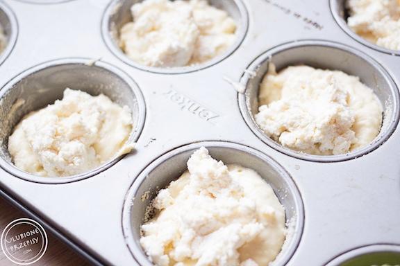 Mufinki z białym serem