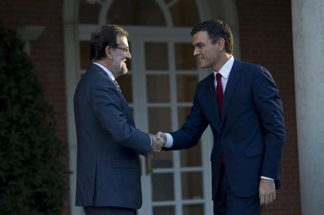 Rajoy y Sánchez. Foto: Cortesía Diego Crespo/Moncloa