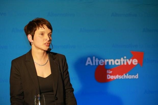 Frauke Petry lidera el ultraderechista Alianza para Alemania. Foto: photo credit: Metropolico.org AfD Neujahrsempfang Augsburg 12.02.2016 via photopin (license)