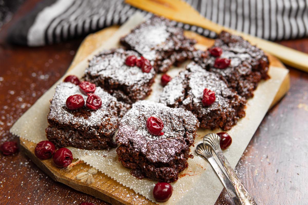 Veganer Schoko-Kirsch Kuchen