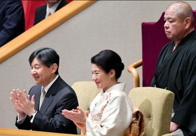 朝日新聞大相撲完全する皇太子と雅子さま