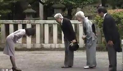 両陛下、寛仁さま墓所に参拝 逝去から5年 (2)