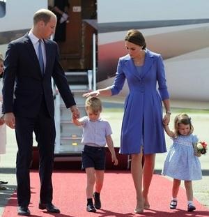 ウイリアム王子一家がドイツに到着