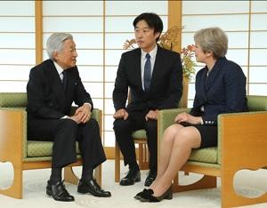 メイ首相と会談する天皇陛下