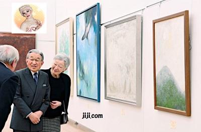 「改組 新 第4回日本美術展覧会」を鑑賞される天皇、皇后両陛下=6日午後、東京都港区の国立新美術館(代表撮影)【時事通信社】