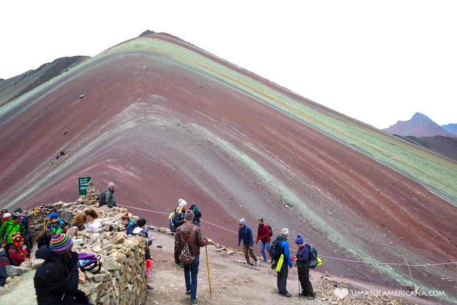 Montanha Vinicunca (Rainbow Montain) - Conheça a Montanha de 7 Cores perto de Cusco, no Peru e combine essa lindeza com sua viagem a Machu Picchu