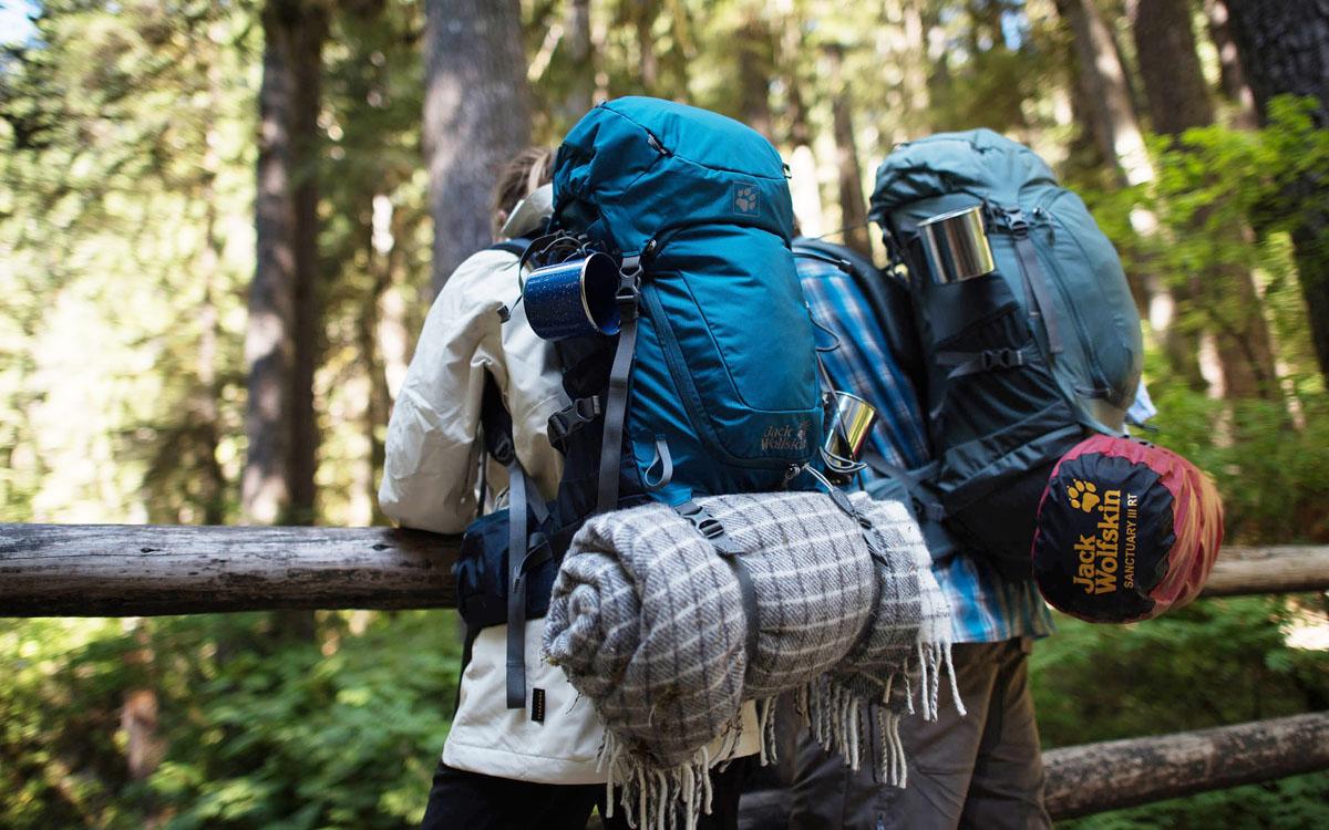 Como arrumar e ajustar a mochila de viagem