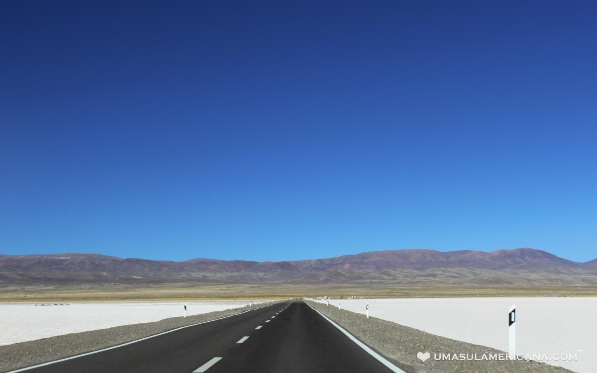 Estrada para as Salinas Grandes, que leva ao Atacama
